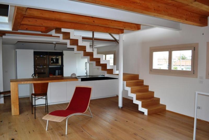 Scala in legno rovere massello con doppia struttura in - Struttura in ferro per casa ...